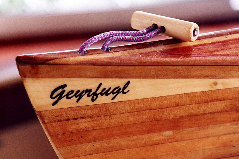 Geyrfugl bow showing wide spruce cheater strip